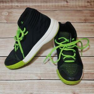 Under Armour Boys shoes size 2